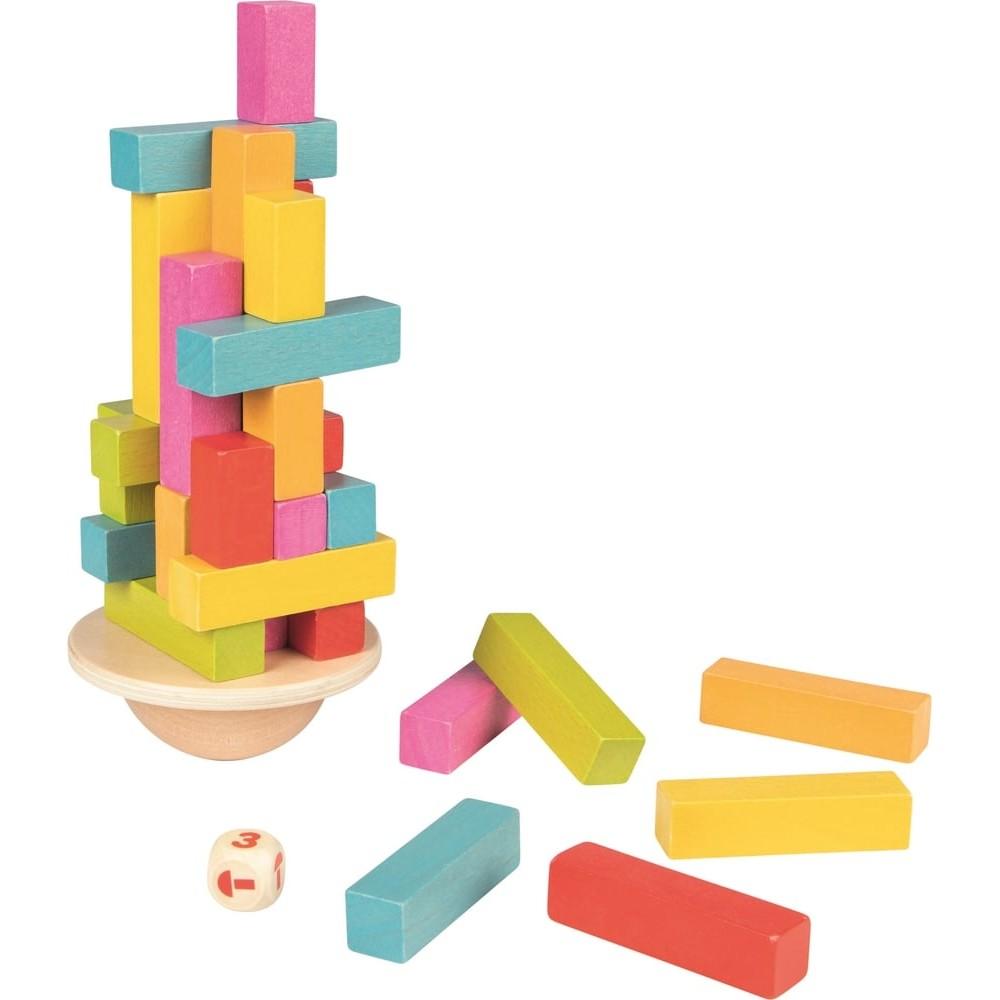 La tour en équilibre en bois